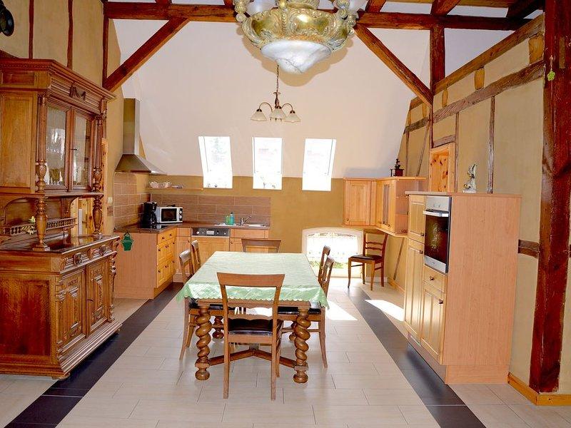 Fewo 'Eiche' ( Nr. 6 ) - Rustikales Ambiente mit neuen Akzenten, holiday rental in Trossin