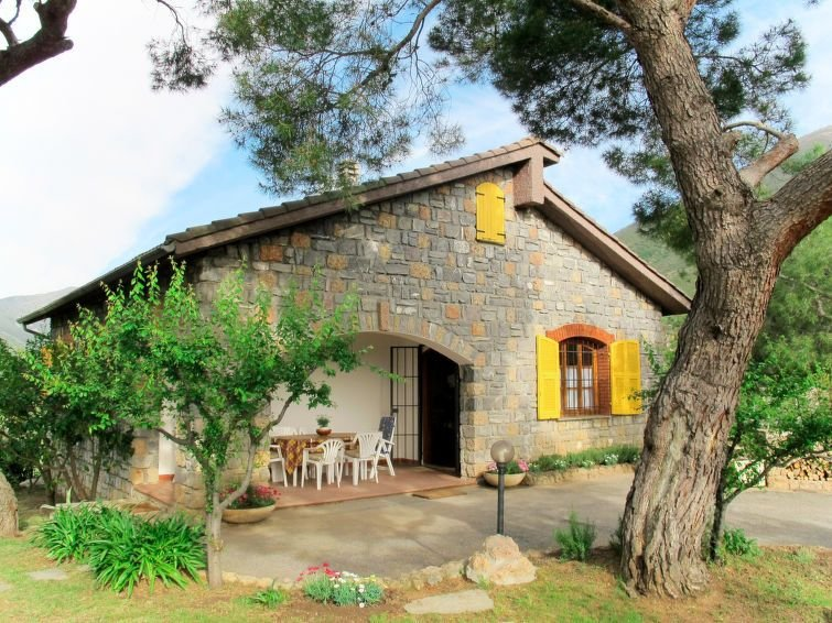 Ferienhaus Rosmarino (CIA101) in Cisano sul Neva - 6 Personen, 2 Schlafzimmer, vacation rental in Erli