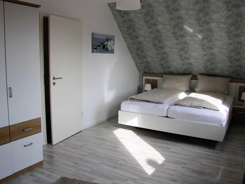 Schönes Ferienhaus direkt an der Thülsfelder Talsperre, casa vacanza a Thulsfeld