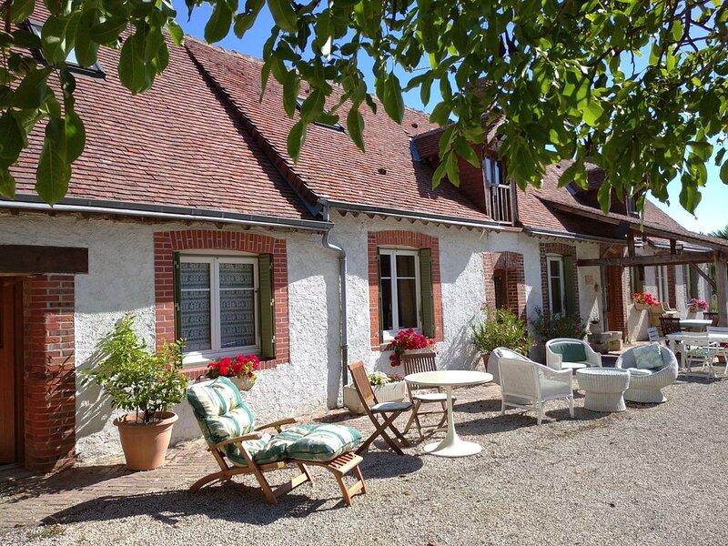 B&B - Ferme 'La Rouzannerie', à la campagne,  à deux ou en famille, casa vacanza a Cloyes-sur-le-Loir