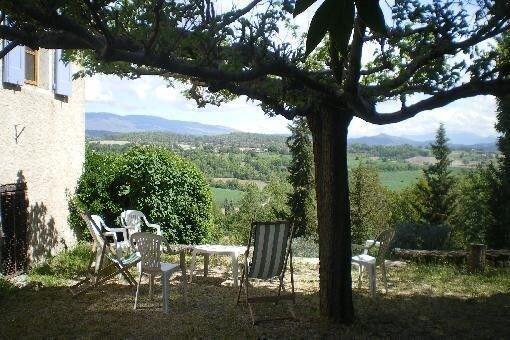 Maison Site panoramique dans Village De Haute Provence, location de vacances à Niozelles