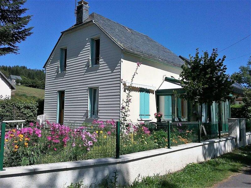 MASSIF DU SANCY PARC REGIONAL DES VOLCANS D'AUVERGNE, location de vacances à Saint-Genès-Champespe