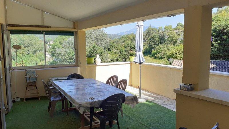 Appart 7pers, piscine, jardin à VAISON LA ROMAINE dans le VAUCLUSE, holiday rental in Crestet