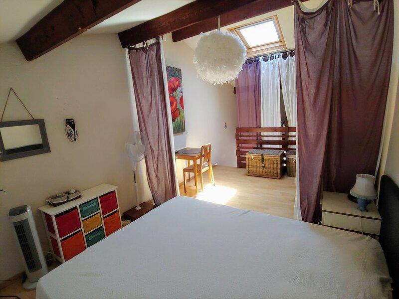 Studio/mezzanine 35 m2  à 200m plage st vincent du Grau d'Agde, holiday rental in La Tamarissiere