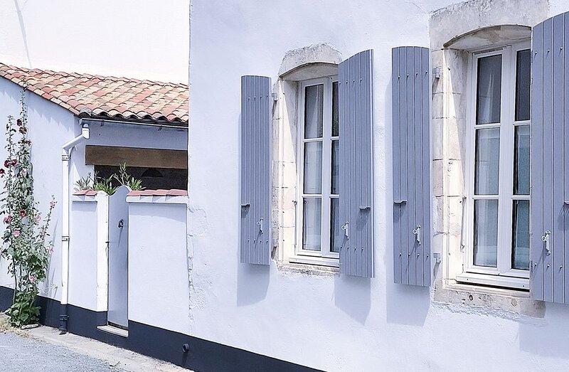 Maison de pays rénovée avec charme, prestations incluses, plage à 600m, holiday rental in Sainte Marie de Re