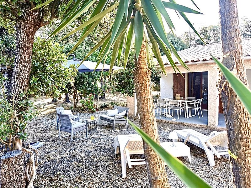 Petite villa idéale 4 personnes à quelques pas de la mer - jardin clos 1200m2, alquiler de vacaciones en Solaro