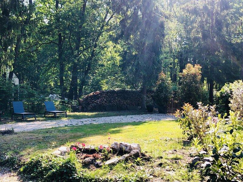 Gîte en plein cœur de la Forêt  des 3 Pignons, vacation rental in Arbonne-la-Foret