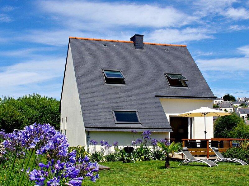 Jolie maison neuve 3* magnifique vue mer - Calme et tranquillité - Wifi/Canalsat, holiday rental in Plouhinec