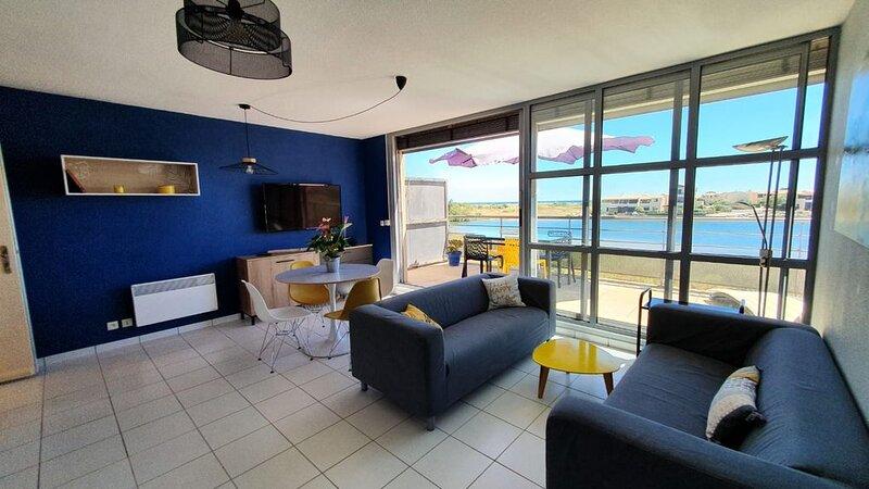 Appartement contemporain vue sur mer dans résidence  naturiste, holiday rental in Leucate