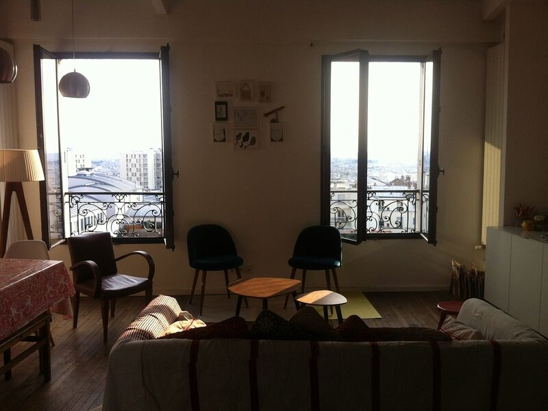Très beau duplex avec vue sur Paris, vacation rental in Le Pre Saint Gervais