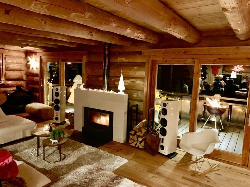 Grand Chalet luxueux en rondins, holiday rental in Les Angles