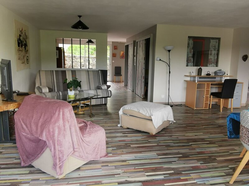 Location loft, vue sur rivière, proximité des plages ,activités nautiques, holiday rental in Pontrieux