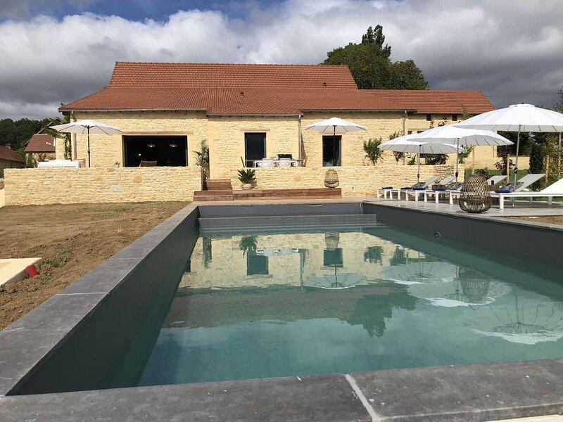 Villa d'exception climatisée en Périgord noir-piscine privée, location de vacances à Montignac