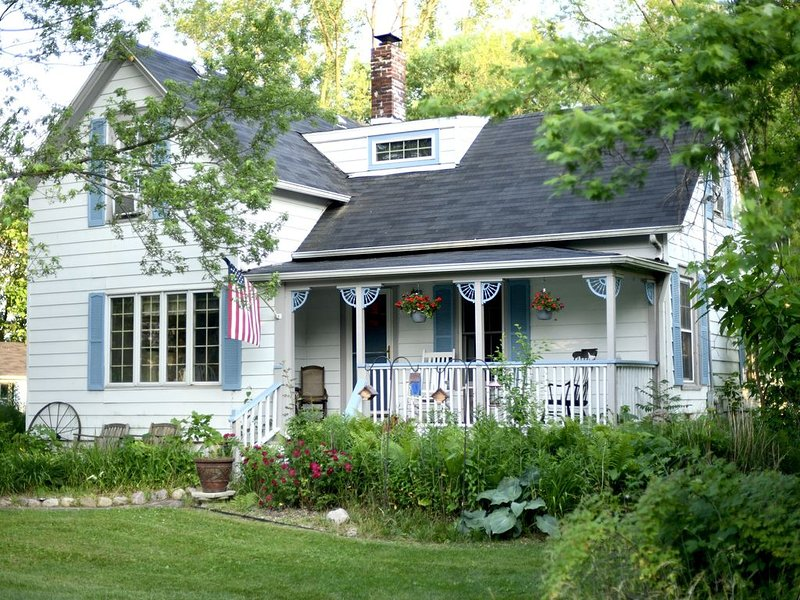 Simplify and relax in a historic town near Indiana Dunes, location de vacances à Chesterton