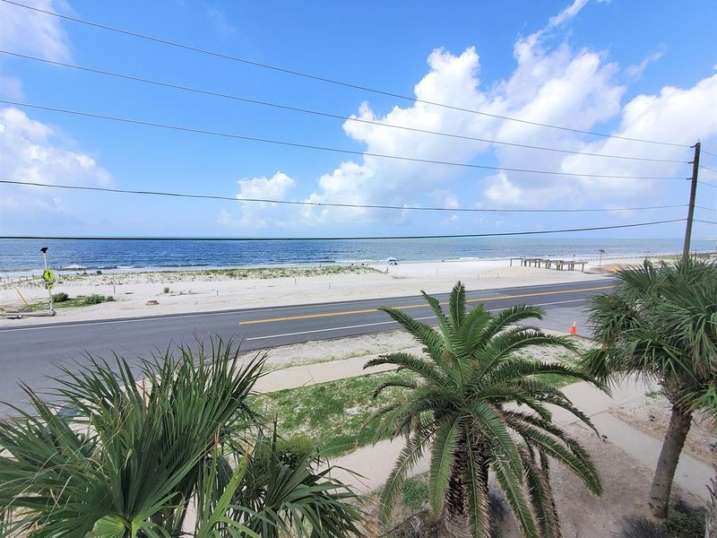 'Low Speed, High Drag' - Book now for 10% off Spring bookings from 3/15 to 5/21!, location de vacances à Mexico Beach