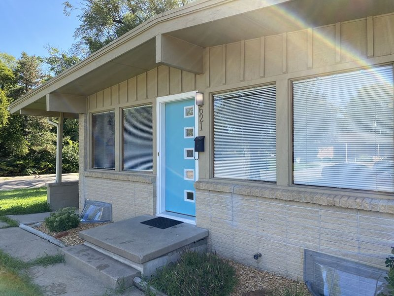 Brand New 2BR Home in Salina, holiday rental in Salina