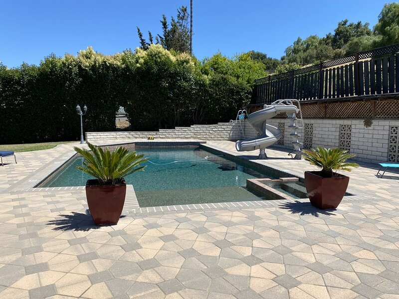 Private single-story home conveniently located, vacation rental in Escondido