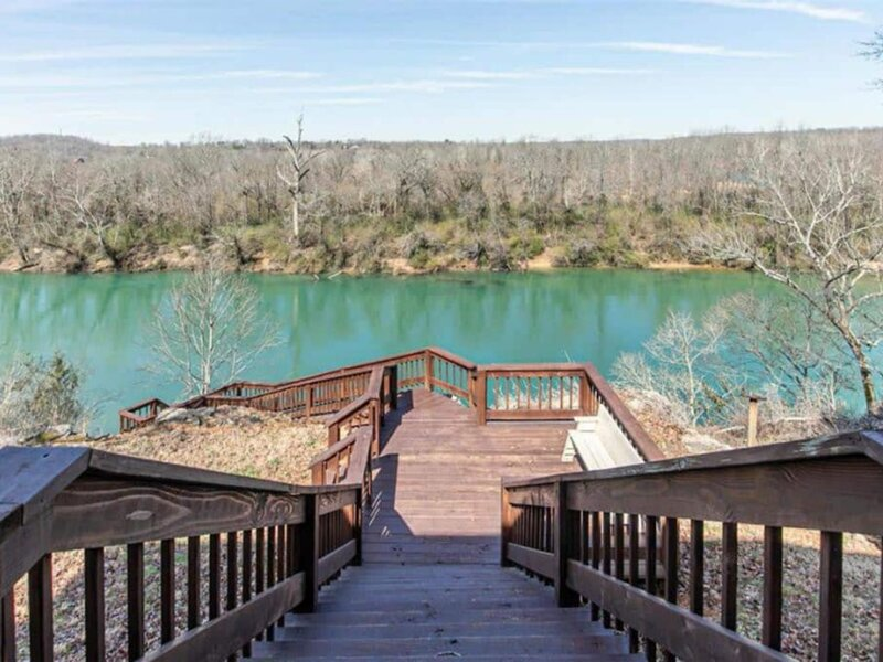 Large Current River Getaway in Doniphan, MO!, Ferienwohnung in Doniphan