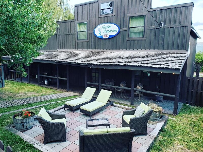 The Emporium- Vacation Rental in Downtown Roslyn, holiday rental in Roslyn