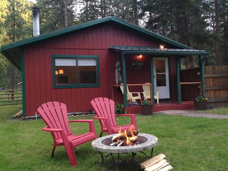 Cabin at world famous Rock Creek, holiday rental in Clinton