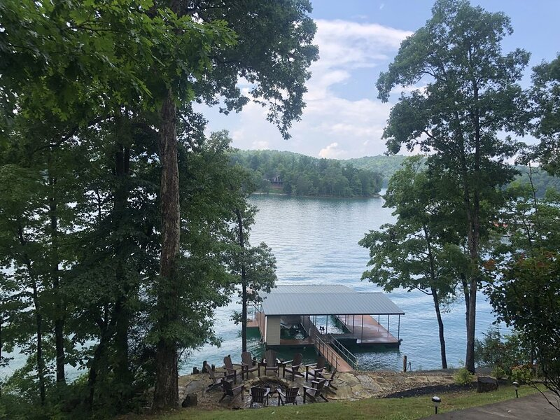 Great views,  Top Rated Home on Big Creek, Norris Lake, holiday rental in Caryville