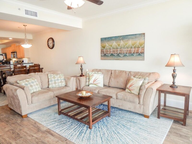Owner Special Available: Gulf-Front Condo On The 5th Floor Of Holiday Isle, holiday rental in Dauphin Island