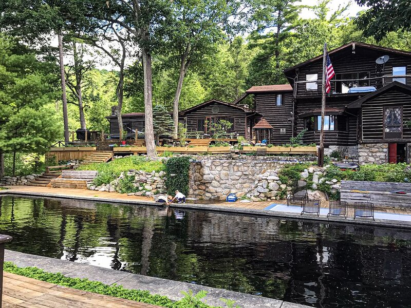 Spectacular 1890's Lodge in the Gunks with 150' Waterfall and Private Chef, holiday rental in Wurtsboro