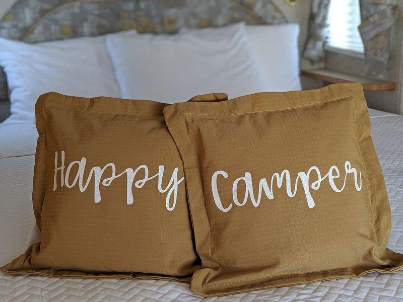 Happy Camper at Endless Caverns RV Resort, holiday rental in New Market