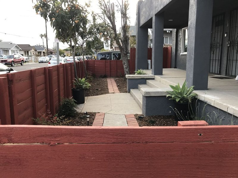 2bed 1bath close to downtown LB, LA and OC., holiday rental in Lakewood