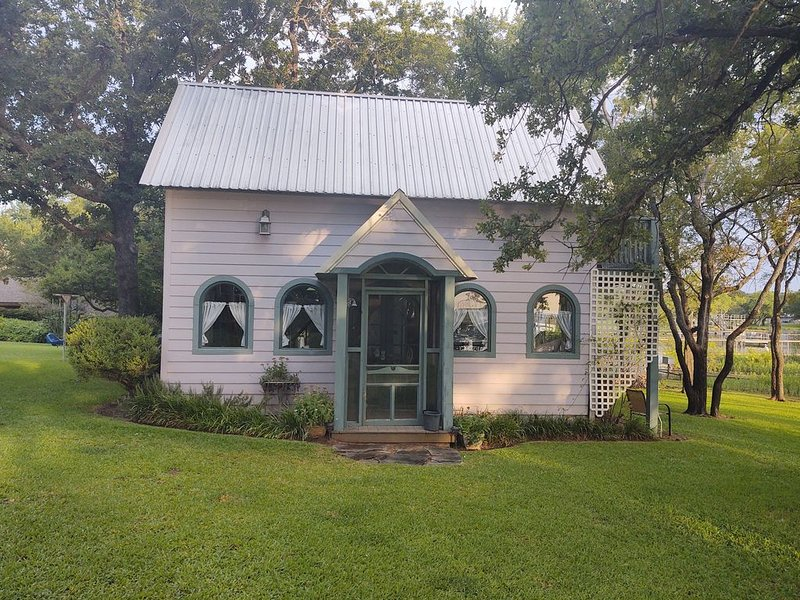 The Cottage on Lake Graham, holiday rental in South Bend