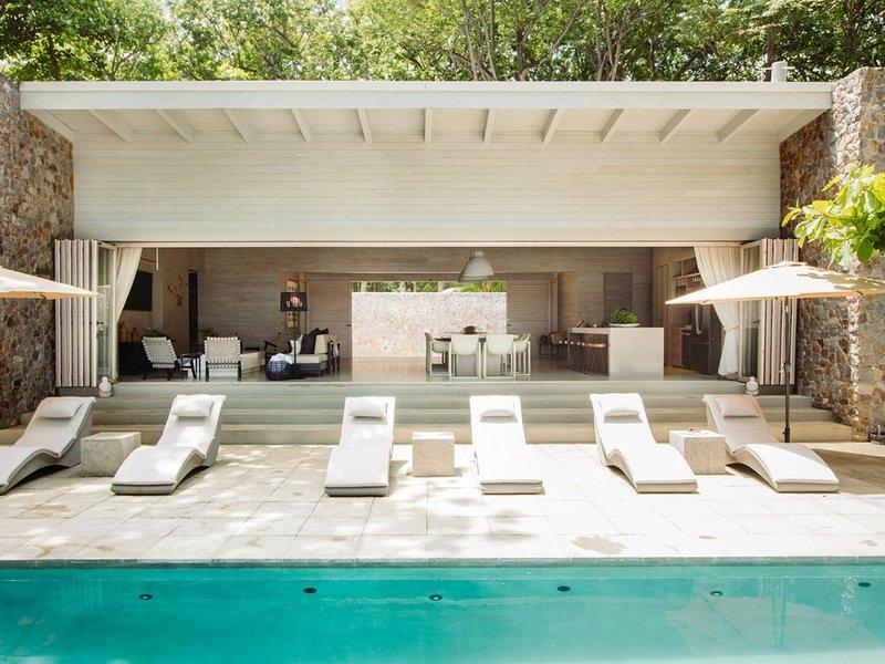Prime Beachfront Location- Casa Caricaco, holiday rental in Carmen