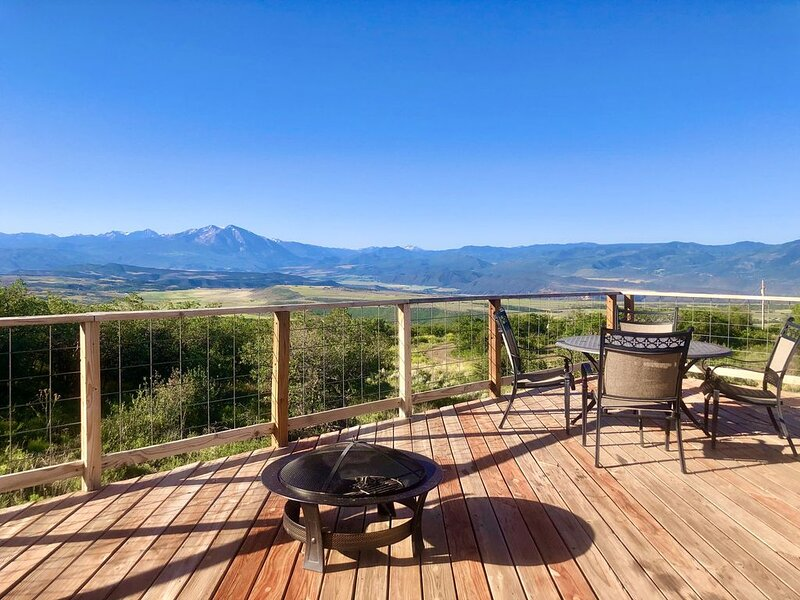 Luxurious Glamping with Amazing View and Trail Access + Remote vacay!, alquiler de vacaciones en Glenwood Springs