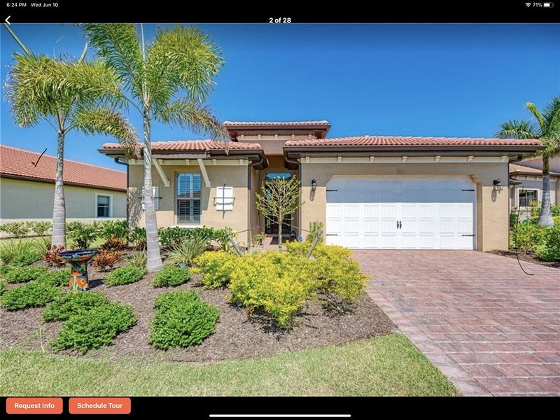 Million dollar water view from this 2000 sq ft home, 3 br, 2 ba, 2 car garage, holiday rental in Nokomis