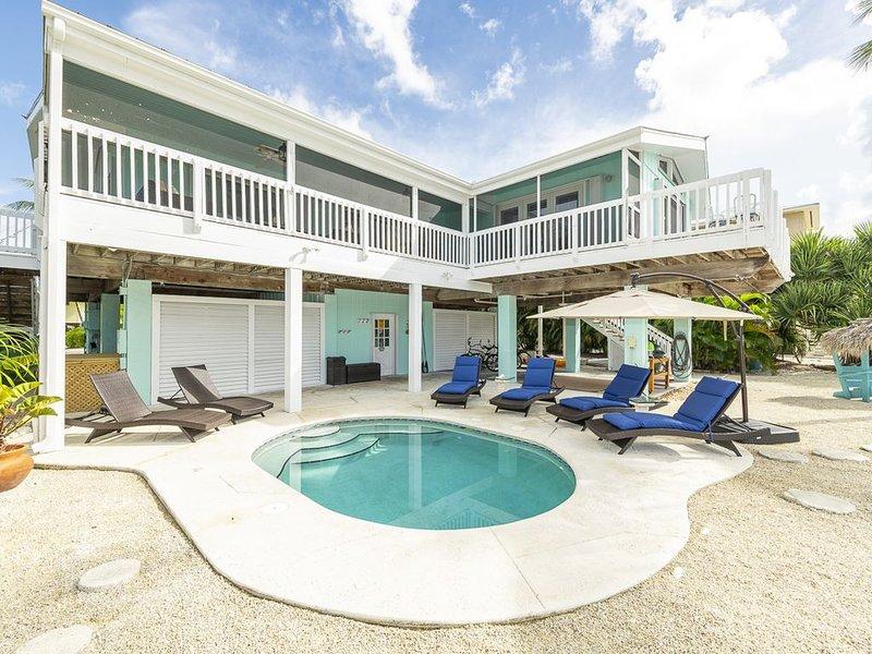 SUGARLOAF KEY Home on Wide Canal - 4 Bedroom, 2 Bath with Pool, holiday rental in Sugarloaf Key