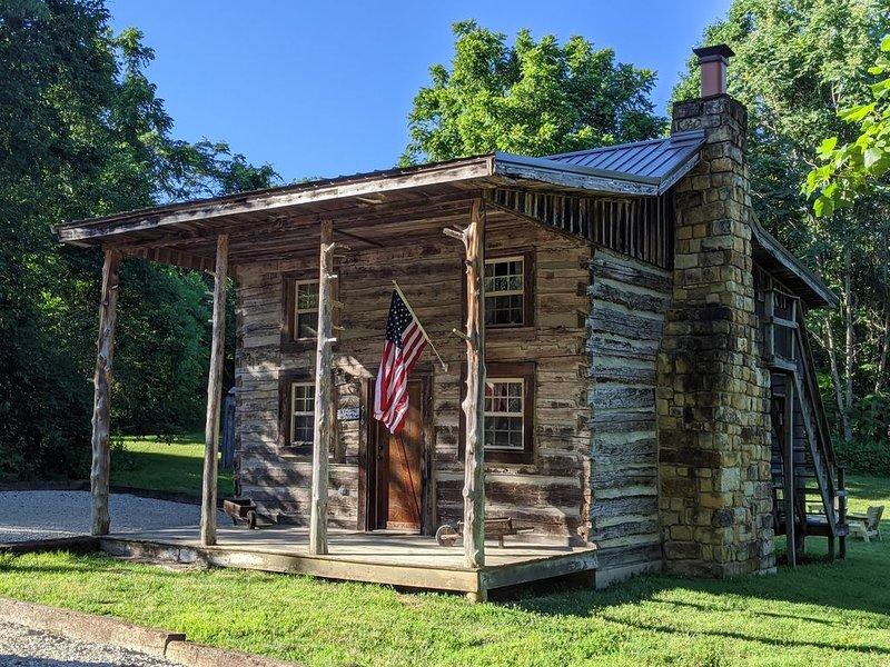 Nancy Kentucky 1800s log cabin, vacation rental in Monticello