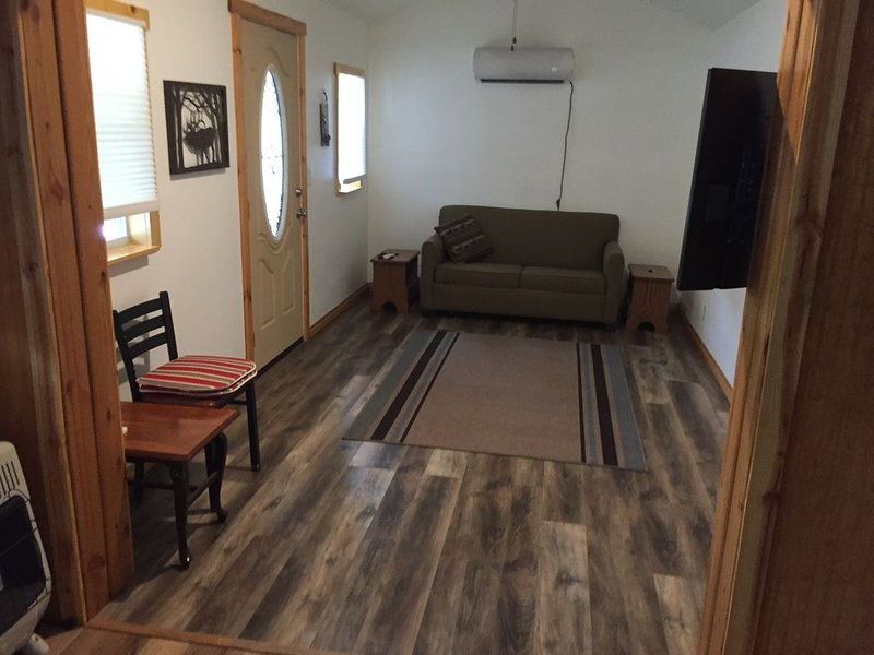 Cozy cabin with lake view., holiday rental in Afton