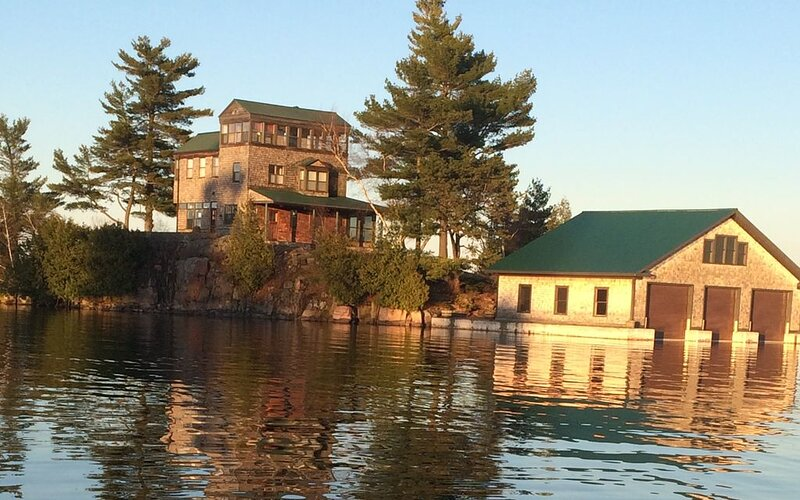 Private Island // Best views of the 1000 Islands!, alquiler de vacaciones en Brockville