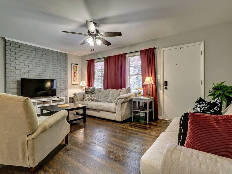 Smyrna Mableton Renovated! Clean! Comfortable! md, holiday rental in Mableton