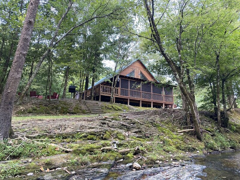 Lost Cabin at the Creek, holiday rental in Pencil Bluff
