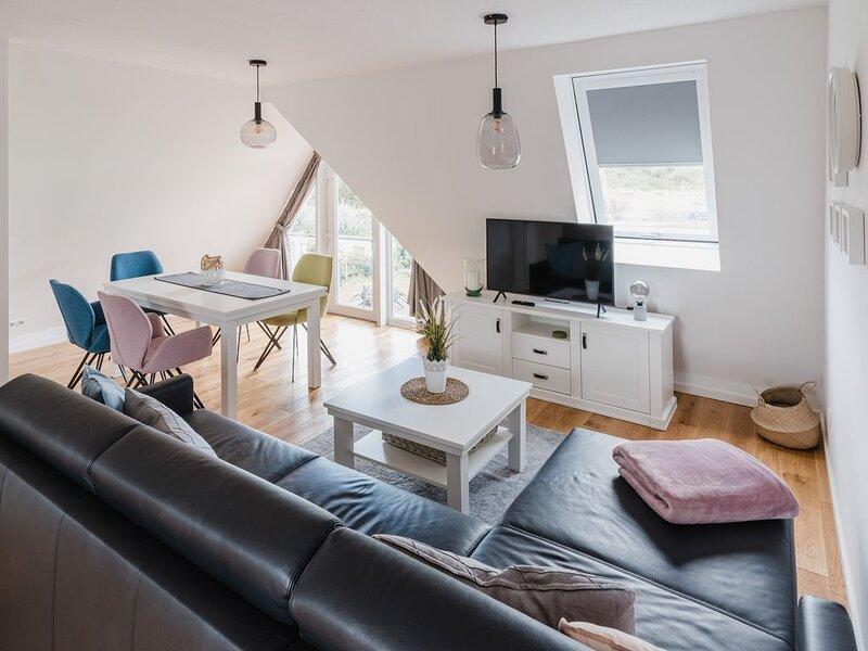 Hochwertige Ferienwohnung am Nordstrand mit Terrasse im Torbogenhuus Nr. 5, casa vacanza a Norderney