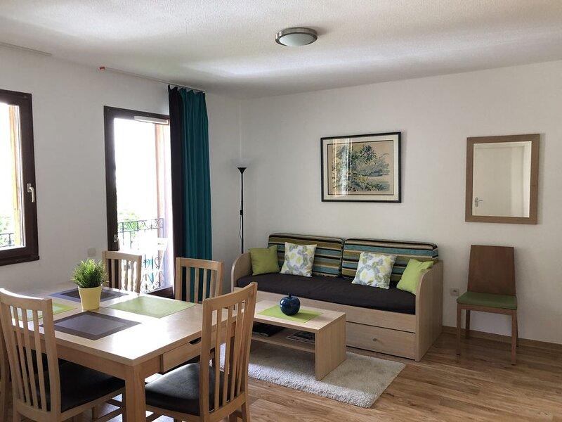 Appartement Bagnères de Luchon, 3 pièces, 4-5 personnes avec Terrasse, holiday rental in Saint-Mamet