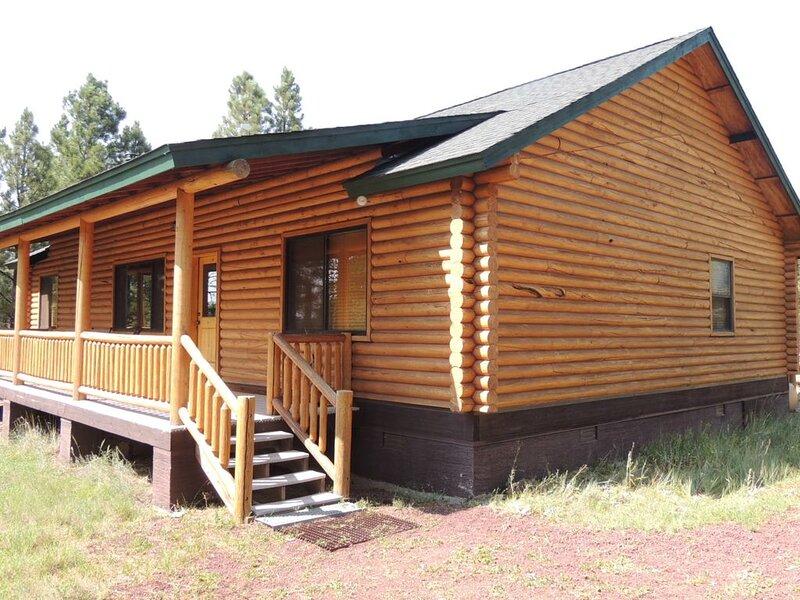 Hidden Log Cabin deep in elk country., holiday rental in Parks