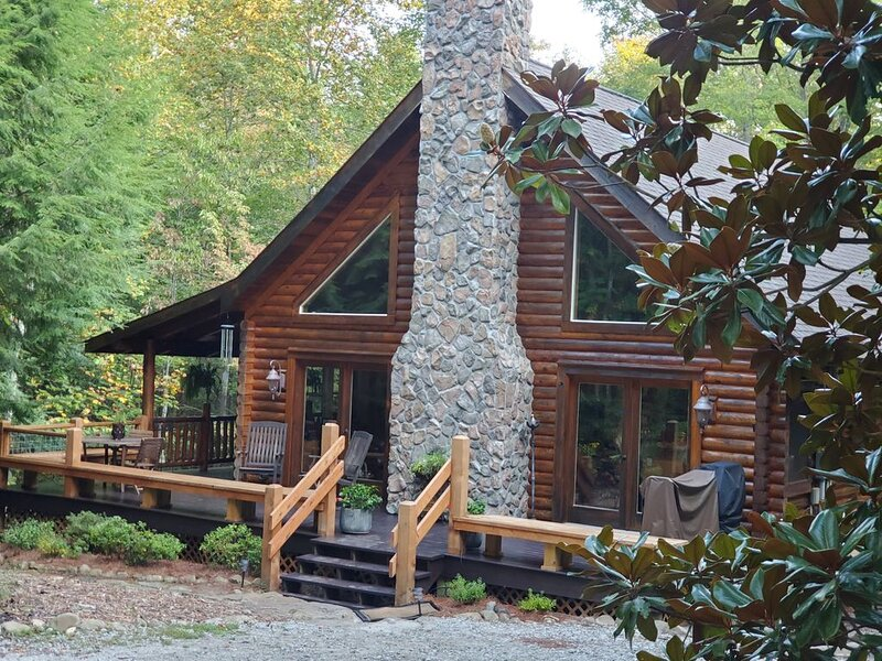 Enjoy life, re-energize, pet friendly WhimsyTree Cabin. South Cumberland Plateau, location de vacances à Altamont