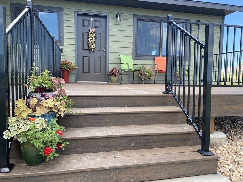 The Cottage at Bear Butte Gardens!, alquiler de vacaciones en Sturgis