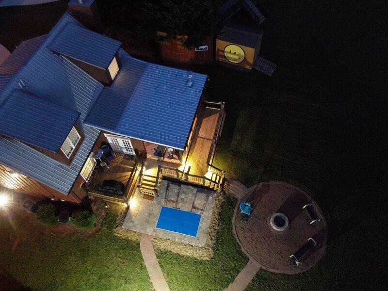 Beautiful Lake House - Romantic Getaway, Family Weekend, or Perfect Fishing Trip, holiday rental in Wedowee