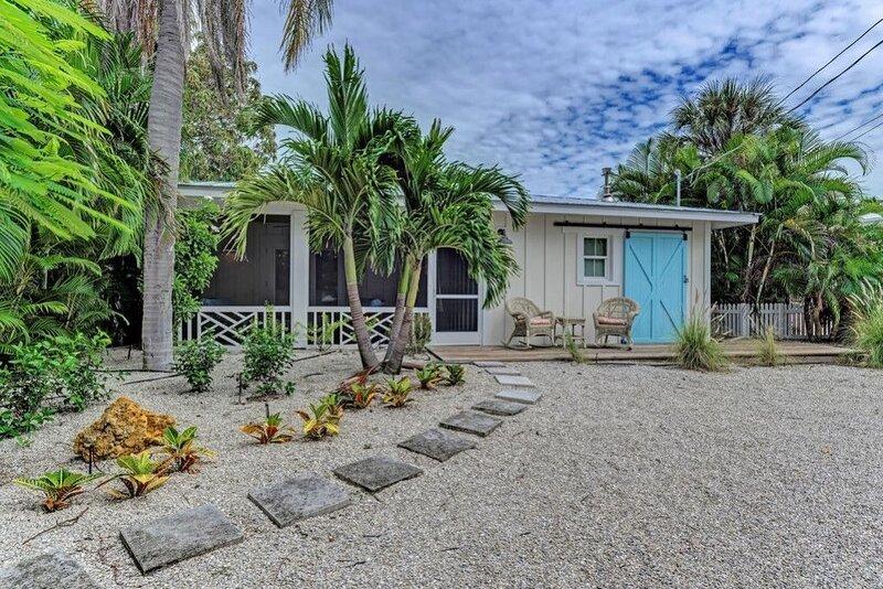 Luxury Beach Cottage for Families on the North Shore of Anna Maria Island, aluguéis de temporada em Anna Maria