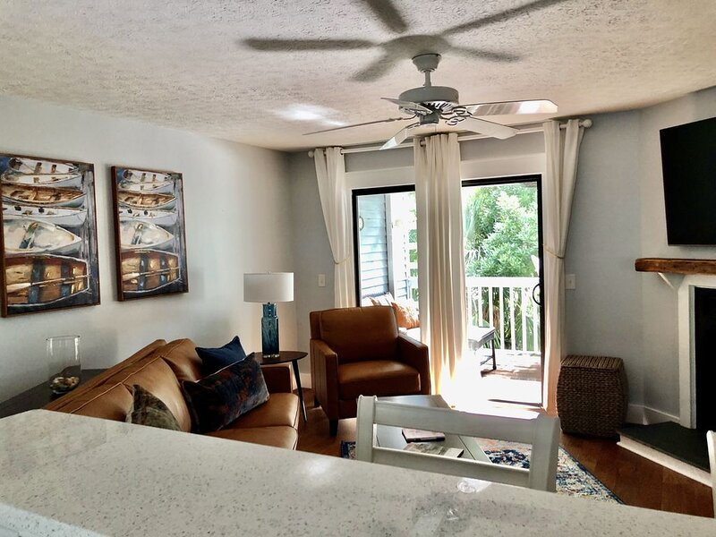 Stunning newly renovated condo in Royal James Landing, location de vacances à Bald Head Island