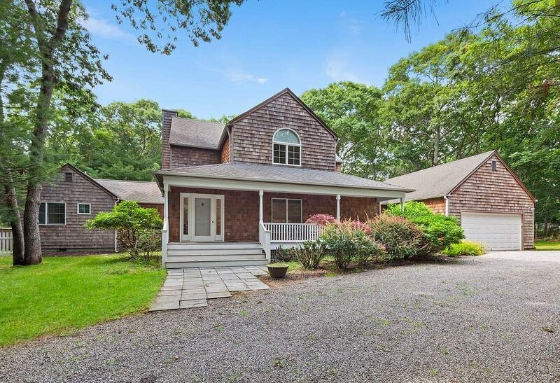 Beautiful East Hampton house near the beaches, location de vacances à East Hampton