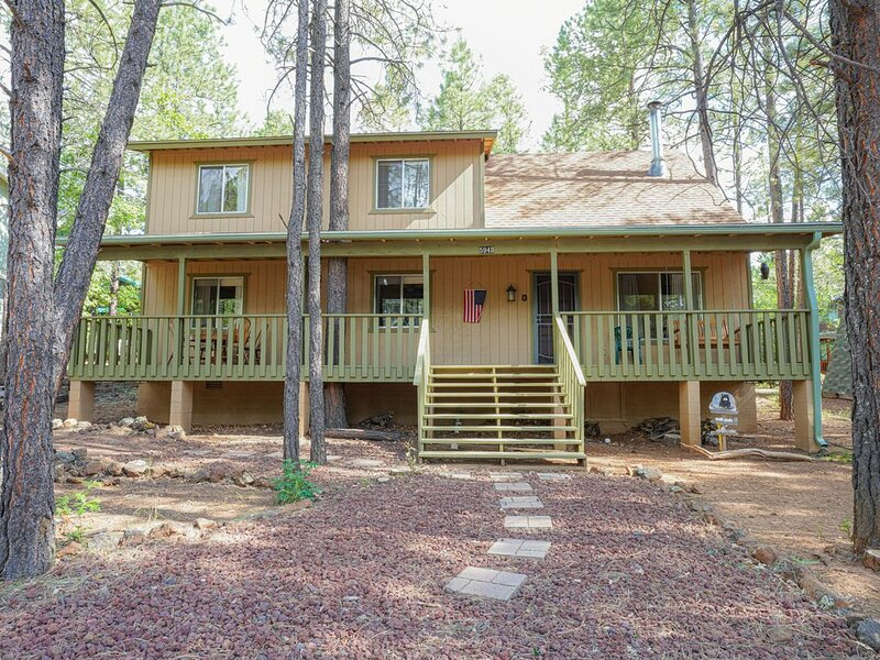 COOL CABIN RETREAT IN THE PTLCC PET WELCOME! CLOSE TO PUBLIC GOLF, holiday rental in Apache County