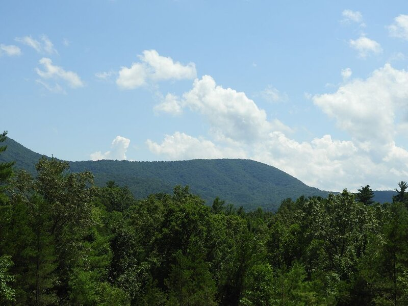 Get away from it all in the mountains of Coker Creek, TN, holiday rental in Tellico Plains
